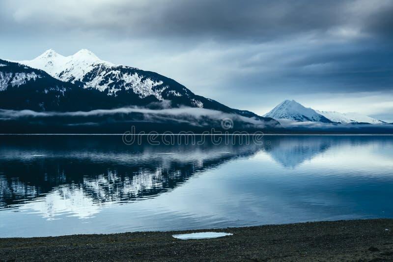 Resti di ghiaccio lungo il Chilkat, Haines Alaska fotografia stock libera da diritti