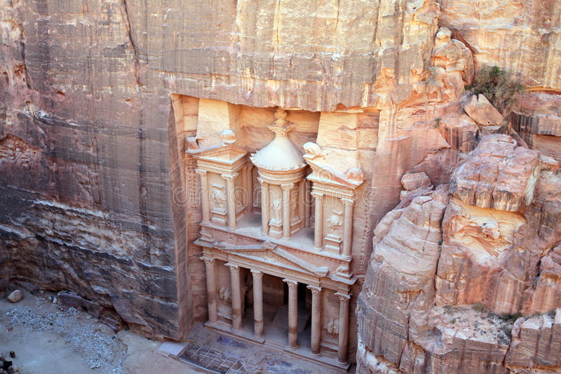 Resti di un tempio antico nel PETRA, Giordania fotografia stock libera da diritti