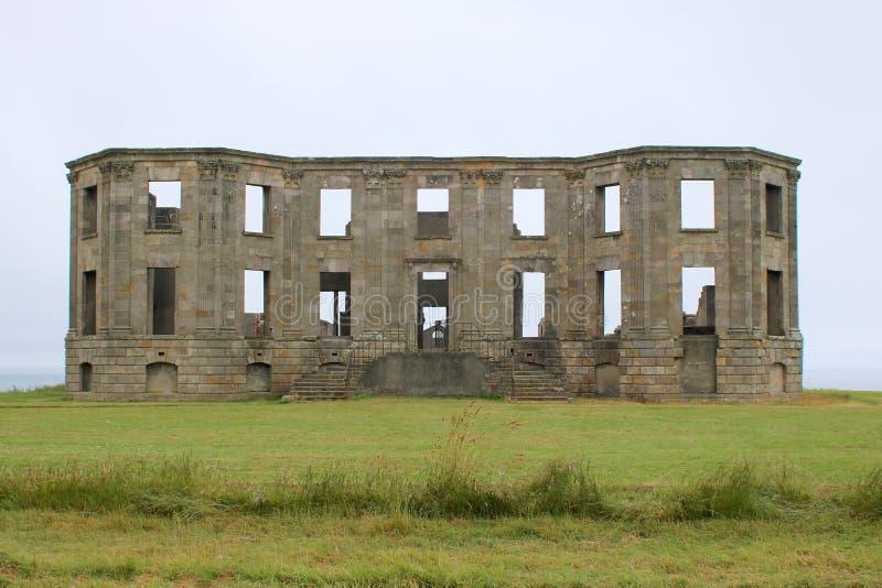 Restliche Fassade von heraus gebrannt bringen unter stockfotografie