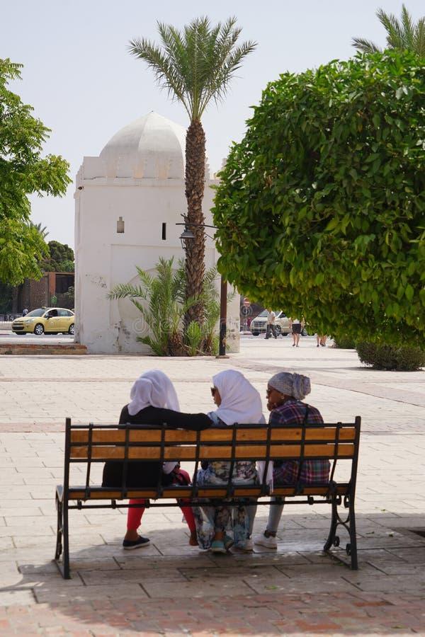 Resto árabe de três mulheres em C4marraquexe fotos de stock