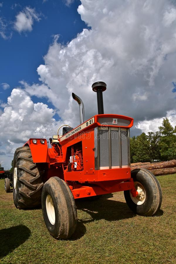 Restored D-10 Allis Chalmers tractor. ROLLAG, MINNESOTA, Sept 2. 2017: A beautiful restored D-10 Allis Chalmers tractor is displayed at the annual WCSTR farm stock photos