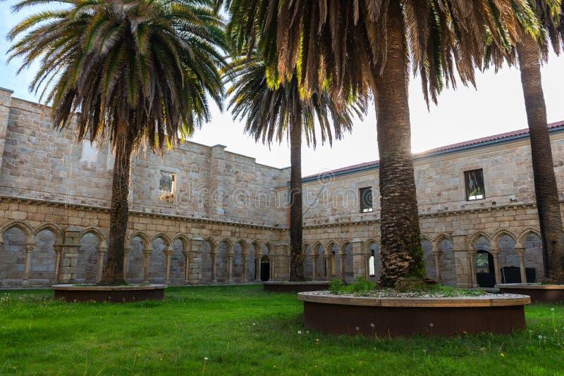 Restos de St Francis Cloister en Orense imágenes de archivo libres de regalías