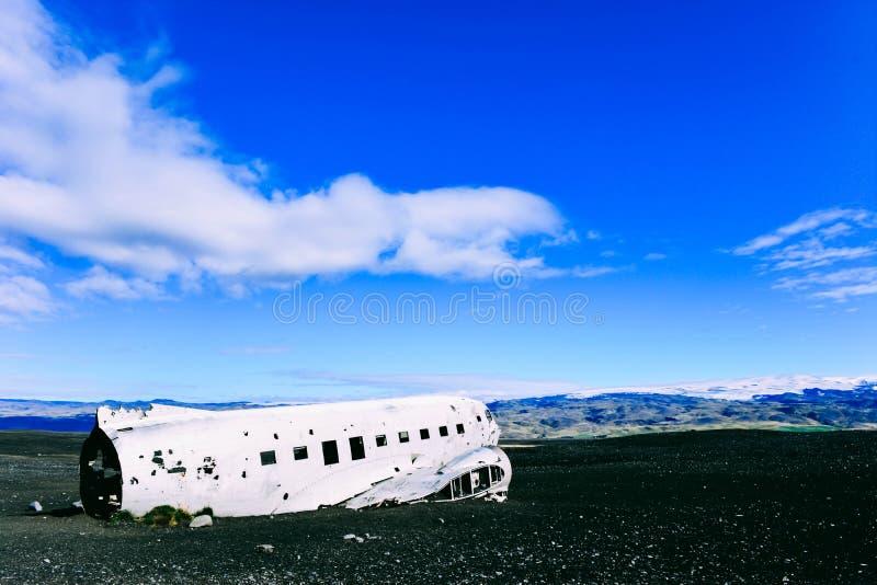 Restos del aeroplano en Islandia imagen de archivo libre de regalías