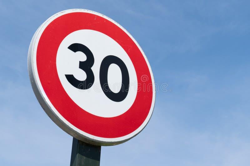 Restricción del límite de velocidad del camino de la muestra 30 imágenes de archivo libres de regalías