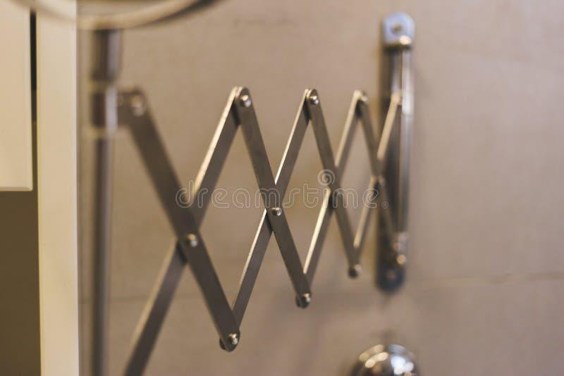 Restringimento d'acciaio e d'acciaio versatile immagine stock libera da diritti