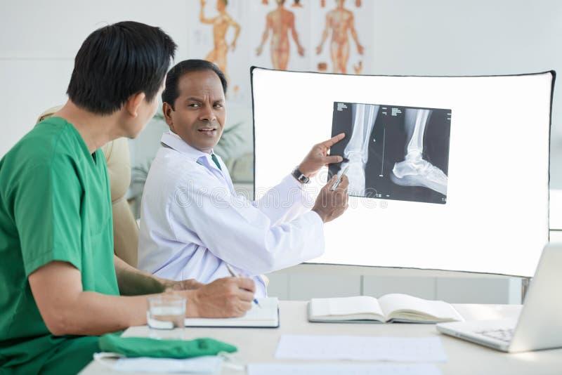 Resultados de la radiografía fotos de archivo