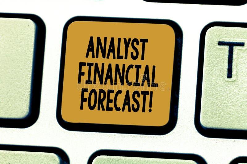 Resultados financeiros futuros apresentando da avaliação da foto conceptual de Financial Forecast Business do analista da exibiçã foto de stock
