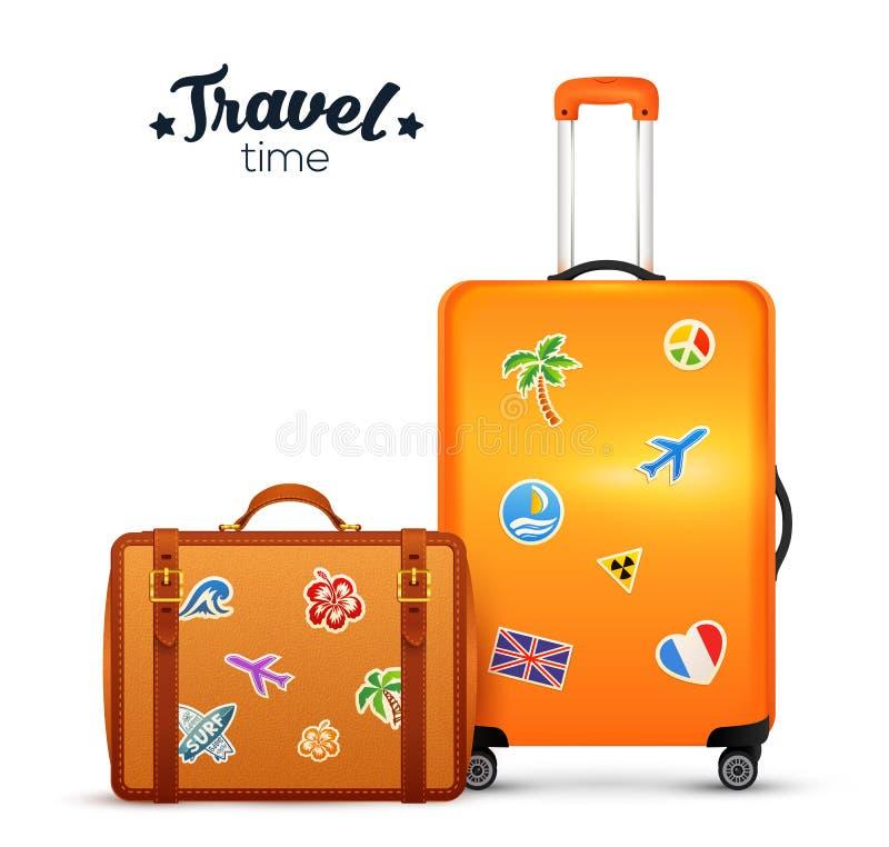 Resväskor för hjul för apelsin- och lädervektor traditionella med klistermärkear stock illustrationer