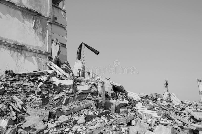 Resztki zniszczony przemysłowy budynek tła czarny karcianego projekta kwiatu fractal dobrego ogange plakatowy biel obrazy royalty free