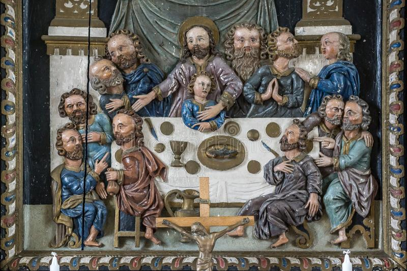 Retable antique fait par le bois Jésus et les disciples au images libres de droits