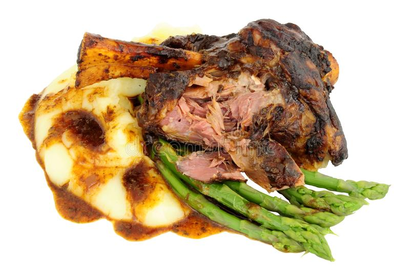 Retarde a refeição cozinhada da pata do cordeiro fotografia de stock