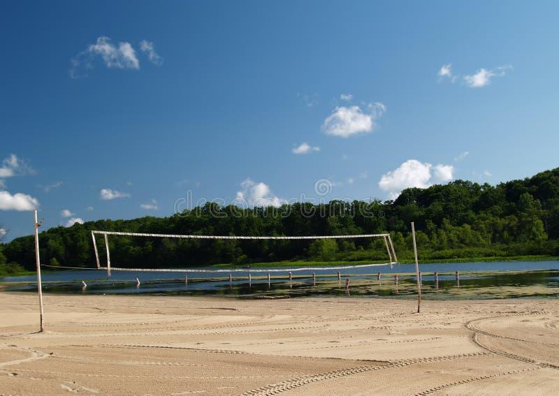 Rete di pallavolo della spiaggia immagini stock