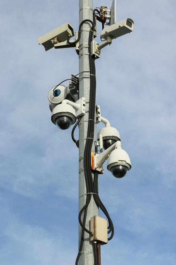 Rete di sorveglianza delle videocamere di sicurezza della cupola e del termale immagine stock