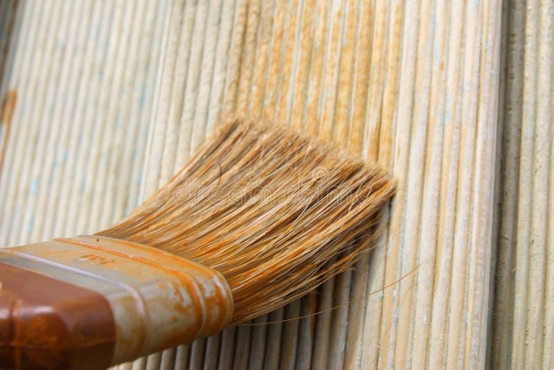 Rete fissa di legno di verniciatura immagine stock libera da diritti