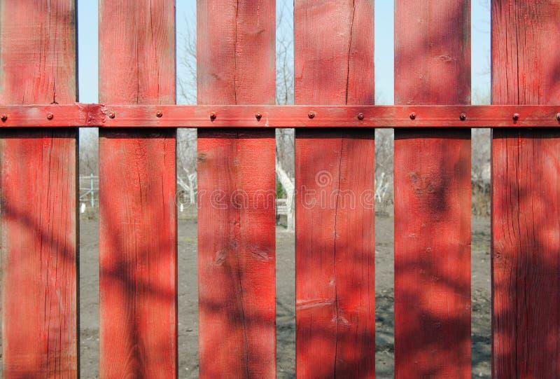 Rete fissa di legno rossa immagini stock libere da diritti