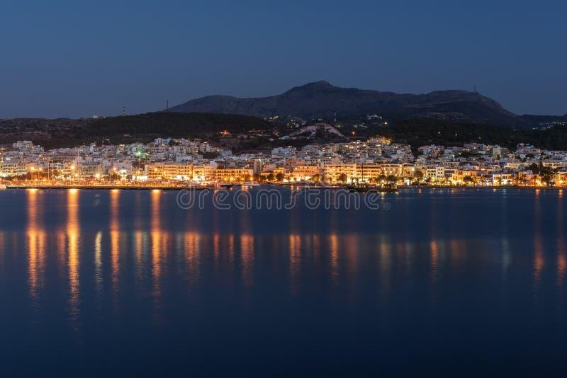 Rethymno, Крит, Греция: центр города на ноче стоковая фотография