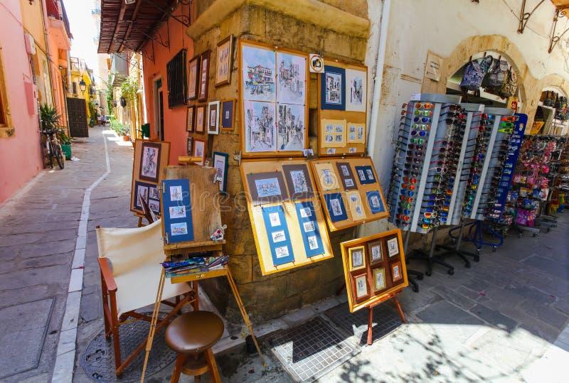 Rethymnon, île Crète, Grèce, - 1er juillet 2016 : Les rues étroites de la pièce de Rethymnon de la vieille ville où les touristes photographie stock