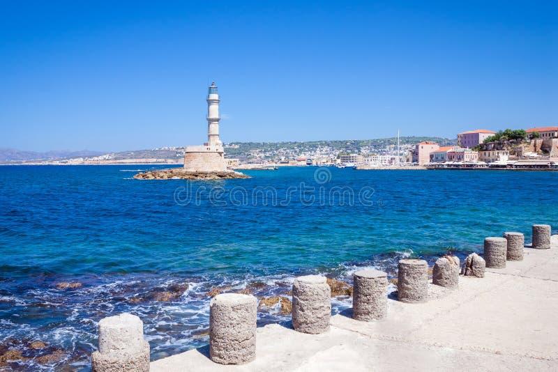 Rethymnon, Крит, Греция - 15-ое августа 2015: Маяк в венецианском порте Rethymnon, старом городке стоковая фотография