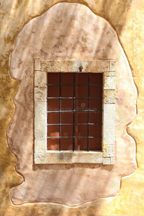 Rethymnon, остров Крит, Греция, - 23-ье июня 2016: Взгляд на старом здании православной церков церков расположенном в замке Forte стоковые изображения