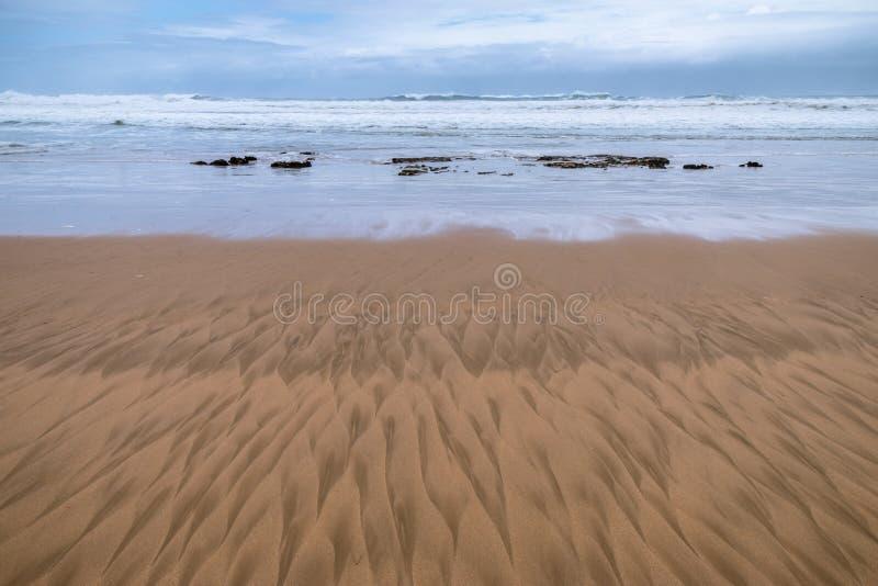 Reticoli nella sabbia della spiaggia fotografie stock libere da diritti