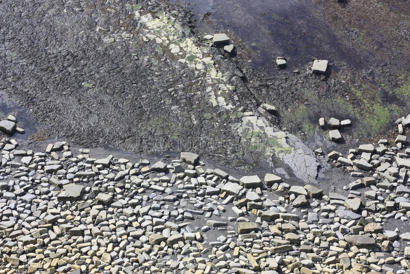 Reticoli rocciosi sul fondale marino immagine stock libera da diritti
