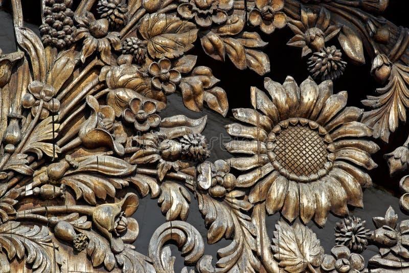 Reticolo di fiore di legno immagine stock
