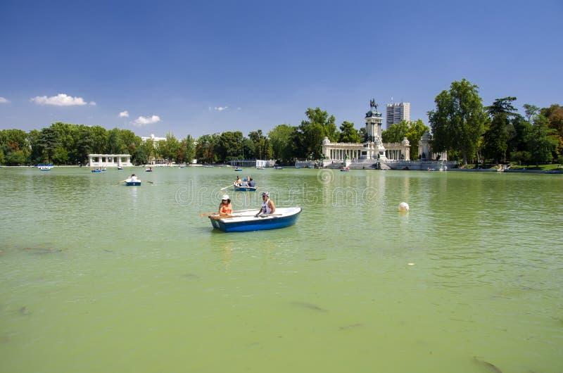 Download Retiro Park Lake, Madrid editorial image. Image of architectural - 29643420