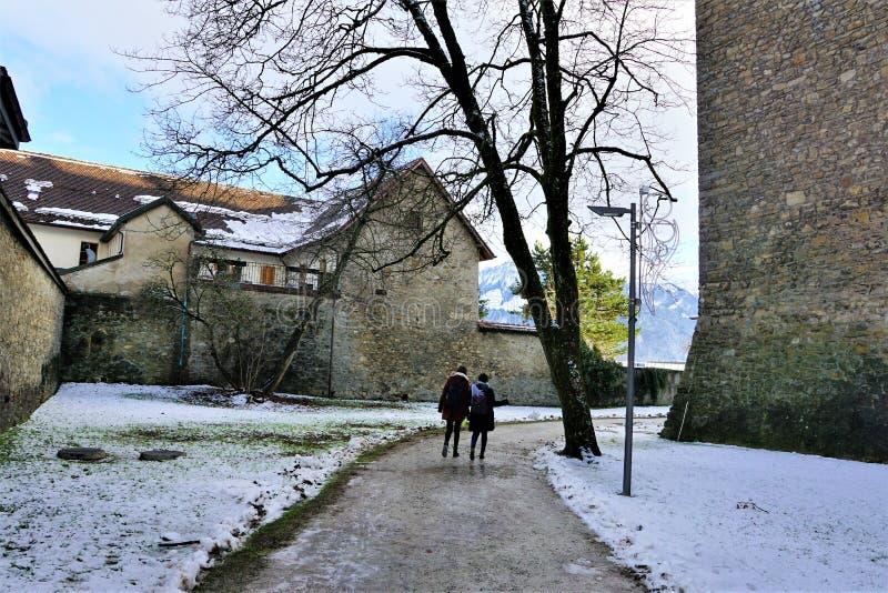 Retranchez-vous dans le bulle en gruyère en Suisse du sud images libres de droits