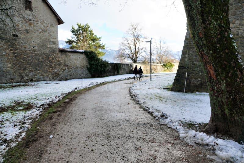 Retranchez-vous dans le bulle en gruyère en Suisse du sud photos stock