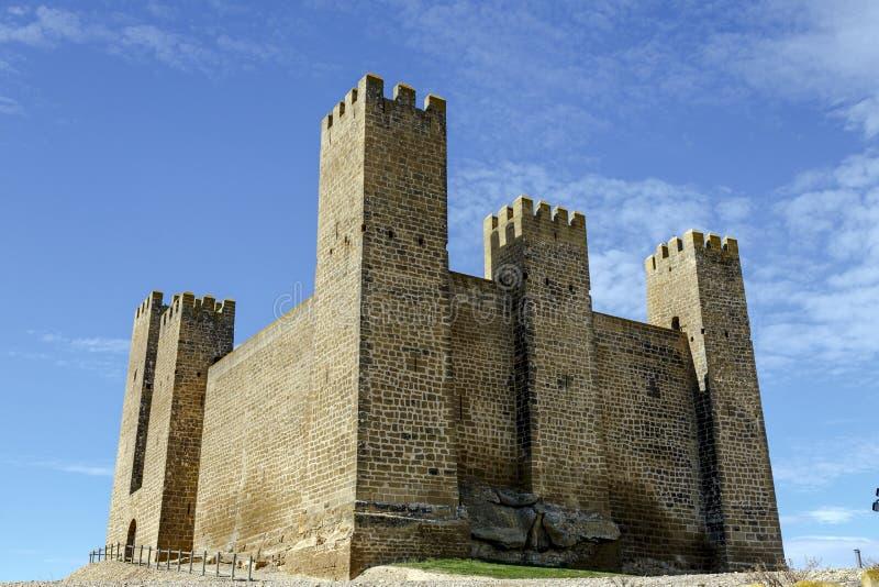 Retranchez-vous dans Sadaba avec le ciel de beauté à Saragosse, Espagne photo stock