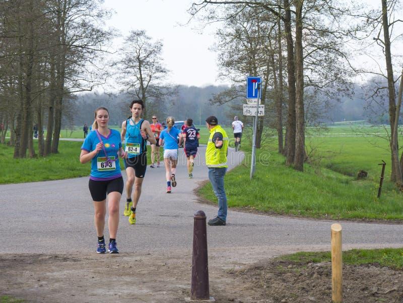 Retransmisión 2017 del maratón de Ekiden Zwolle del arte imagen de archivo