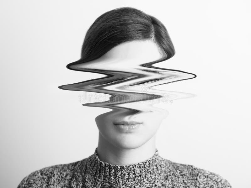 Retrato abstrato preto e branco da mulher do desassossego imagens de stock royalty free