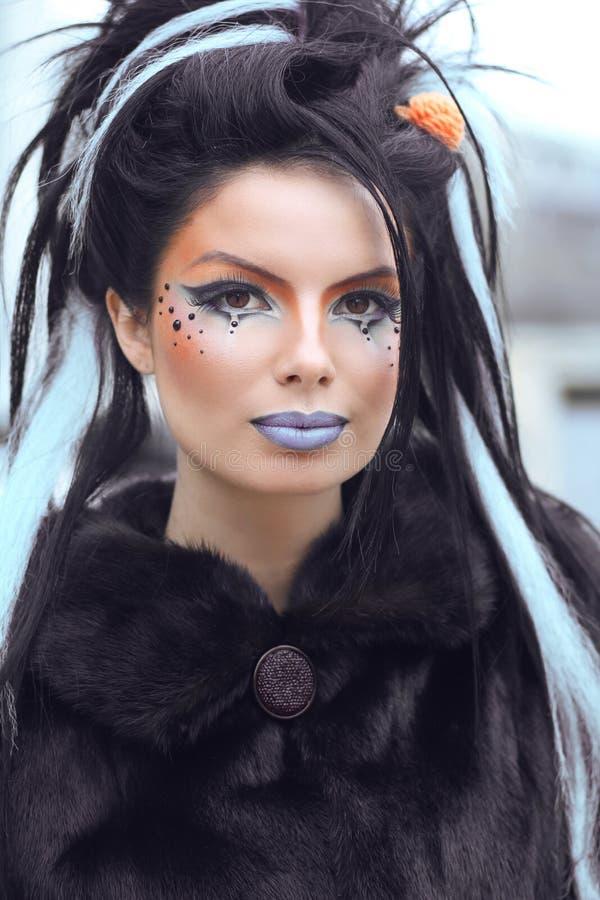 Retrato adolescente punk da menina da forma da beleza com composição e rocha da arte imagem de stock royalty free