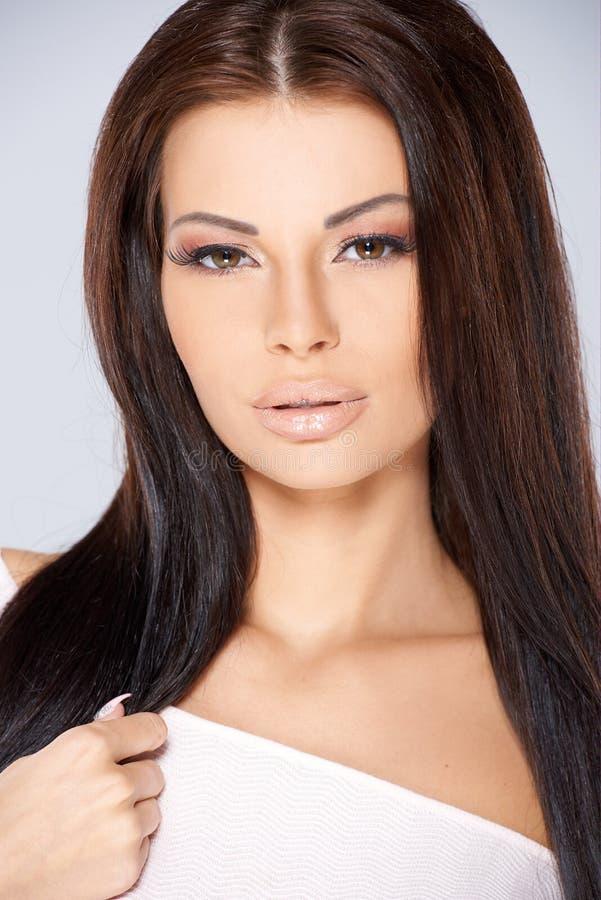 Retrato adorável da mulher fotografia de stock royalty free