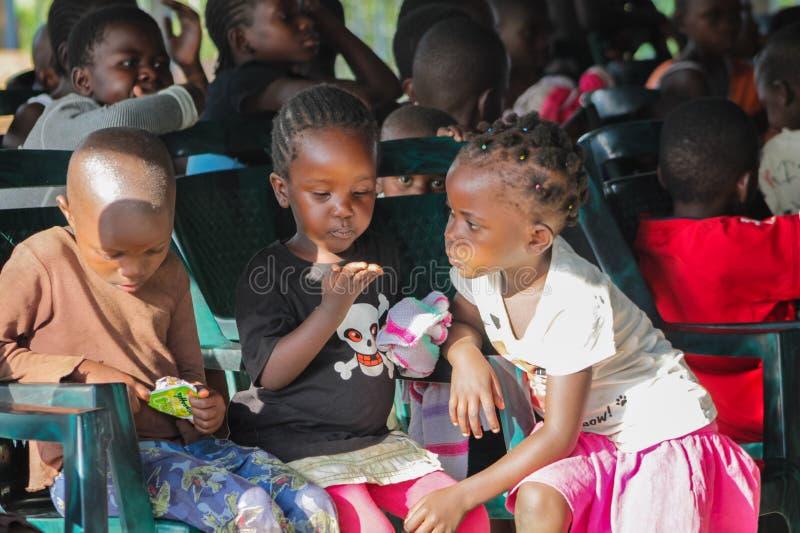 Retrato africano da criança pequena, menino africano e meninas fotos de stock royalty free
