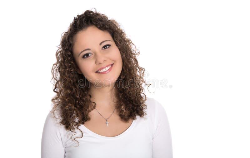 Retrato aislado: mujer joven o muchacha sonriente en blanco con el cur imagenes de archivo