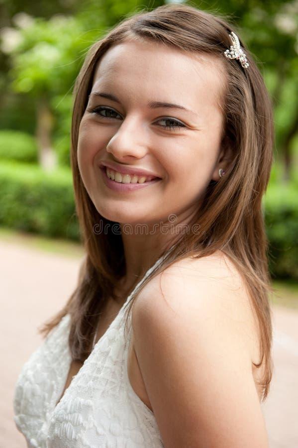 Retrato ao ar livre da menina imagem de stock
