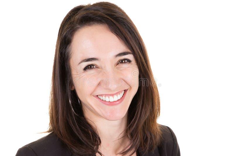 Retrato ascendente próximo da mulher de negócios americana moreno nova feliz fotografia de stock royalty free