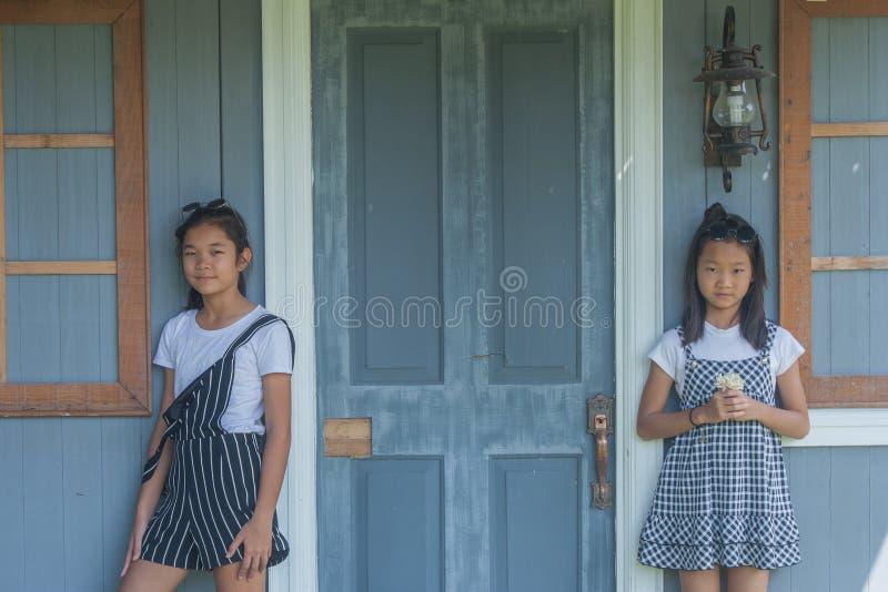 Retrato asiático de los niños del lanzamiento fotos de archivo
