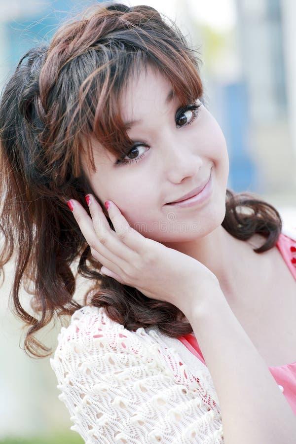 Retrato asiático doce da menina imagem de stock