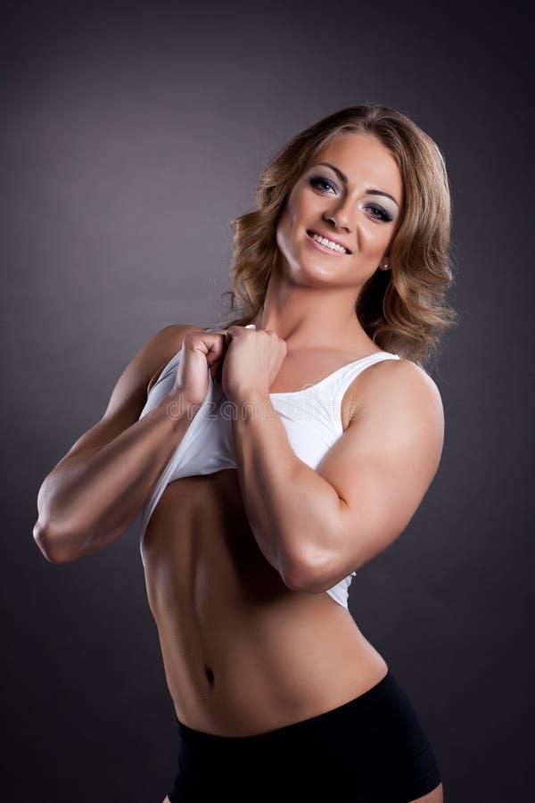 Retrato atlético da mulher da beleza foto de stock royalty free