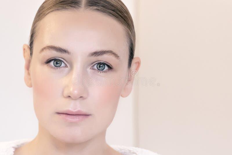 Retrato autêntico da mulher imagens de stock royalty free