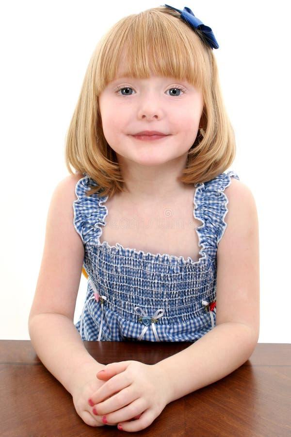 Retrato bonito da menina dos anos de idade 4 imagens de stock