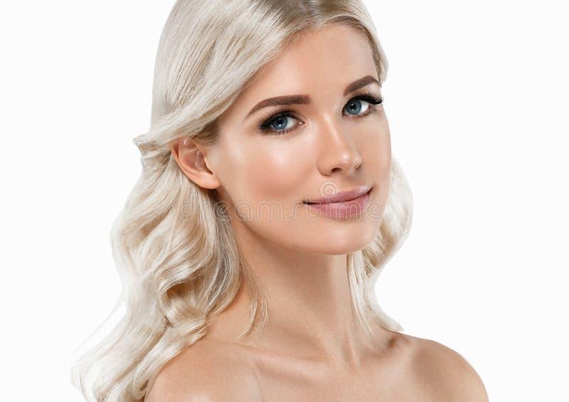 Retrato bonito da mulher loura Conceito cosmético, platina Blon imagem de stock