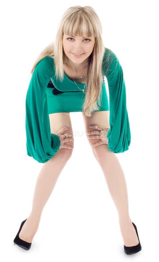 Retrato brilhante da mulher encantadora no vestido verde fotografia de stock royalty free