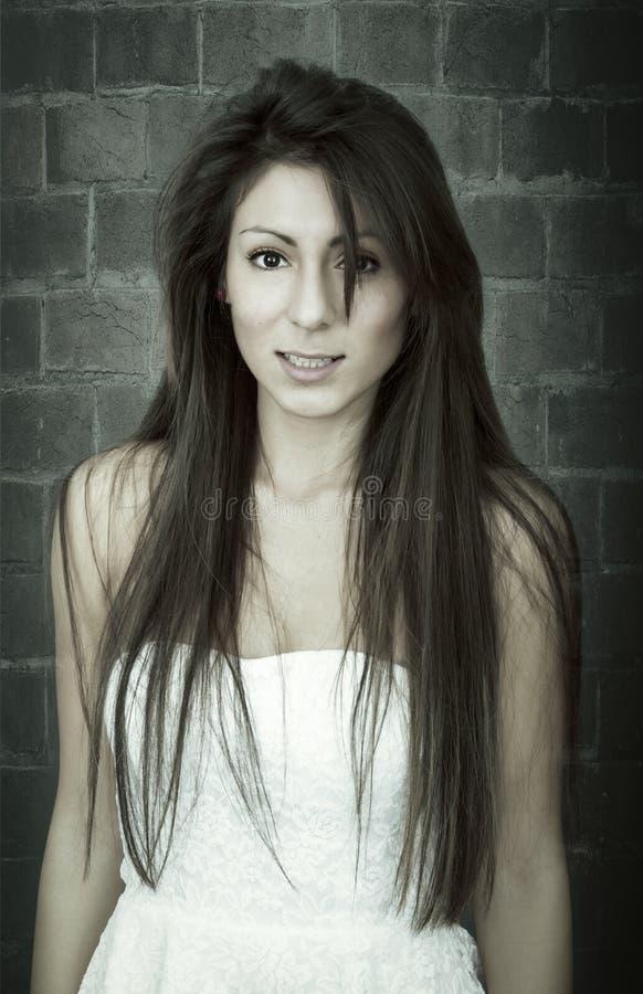Retrato cinemático para um modelo agradável fotos de stock