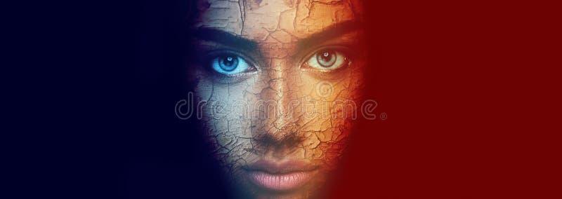 Retrato colorido da cara da jovem mulher sensual bonita imagem de stock