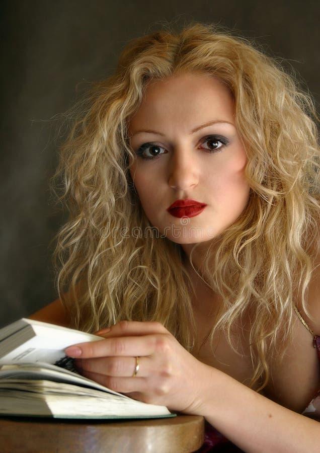 Retrato com o livro fotos de stock royalty free