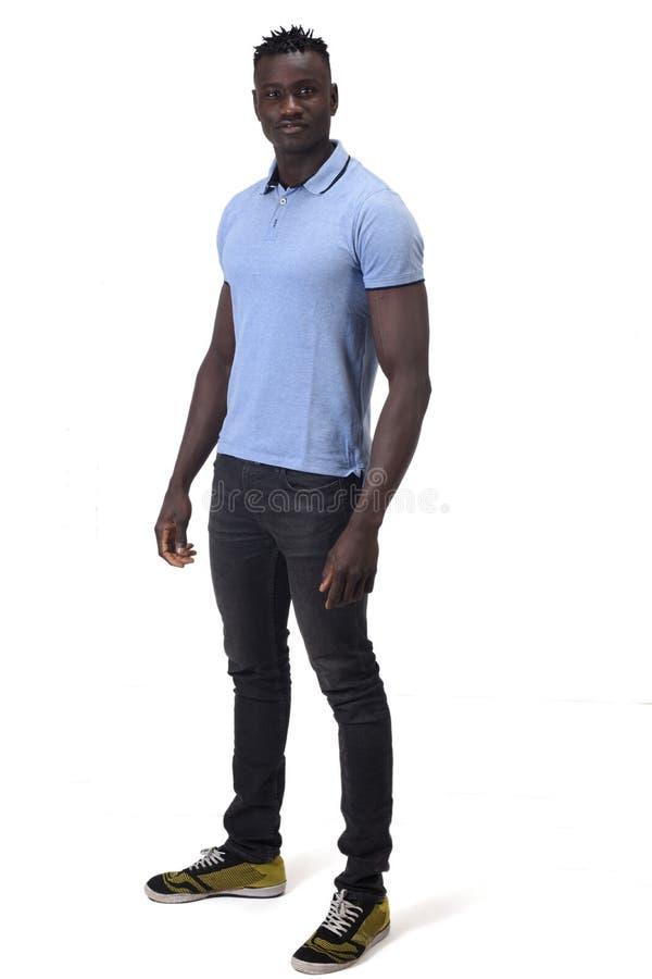 Retrato completo de um homem africano no fundo branco imagens de stock royalty free