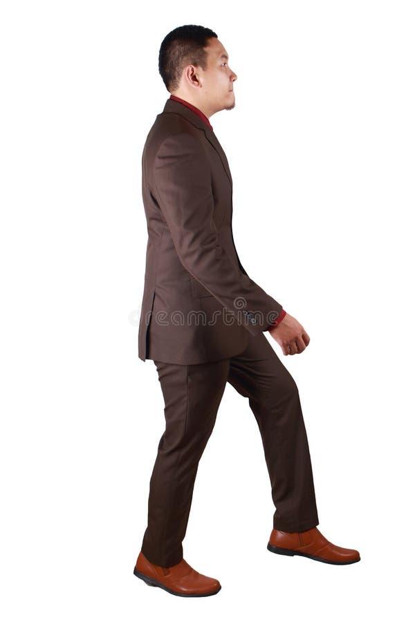 Retrato completo do corpo do homem de negócios asiático Walking, perfil da vista lateral imagens de stock royalty free